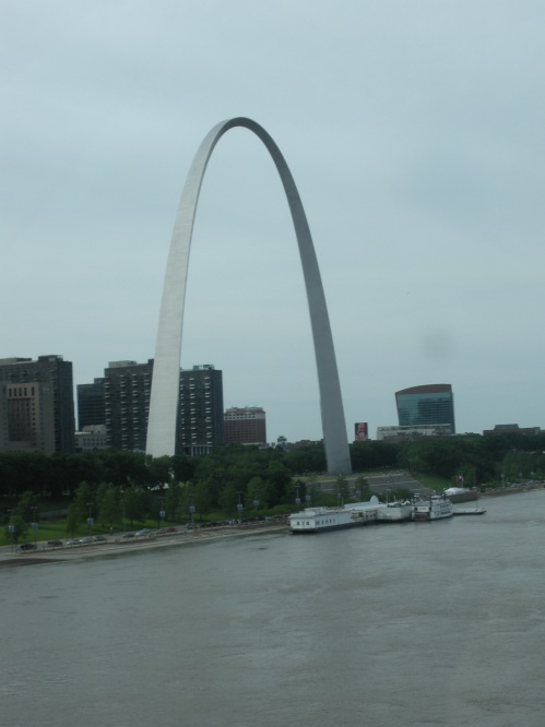 You guessed it, the second St. Louis Arch photo!