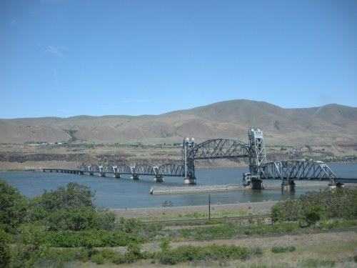 A bridge from the promised land of Oregon to the desert that is Washington.