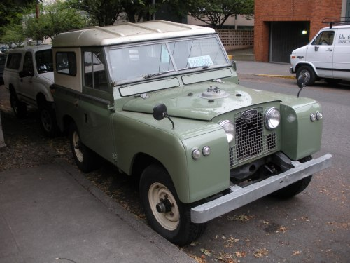 An amazing old Land Rover, not sure what model though.