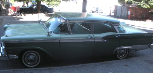 1959 Ford Fairline 500.
