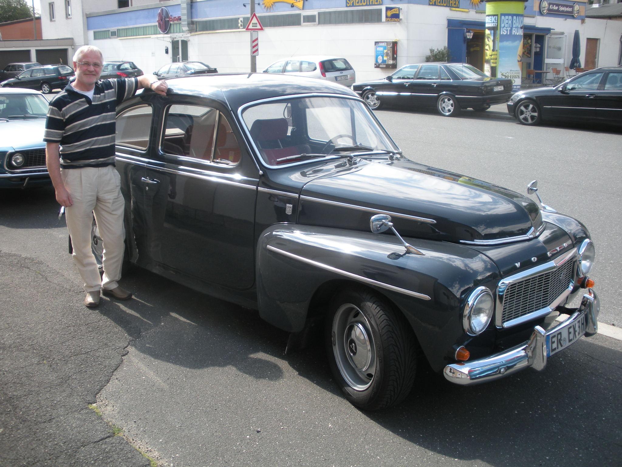Jürgen with his 1965 Volvo PV544