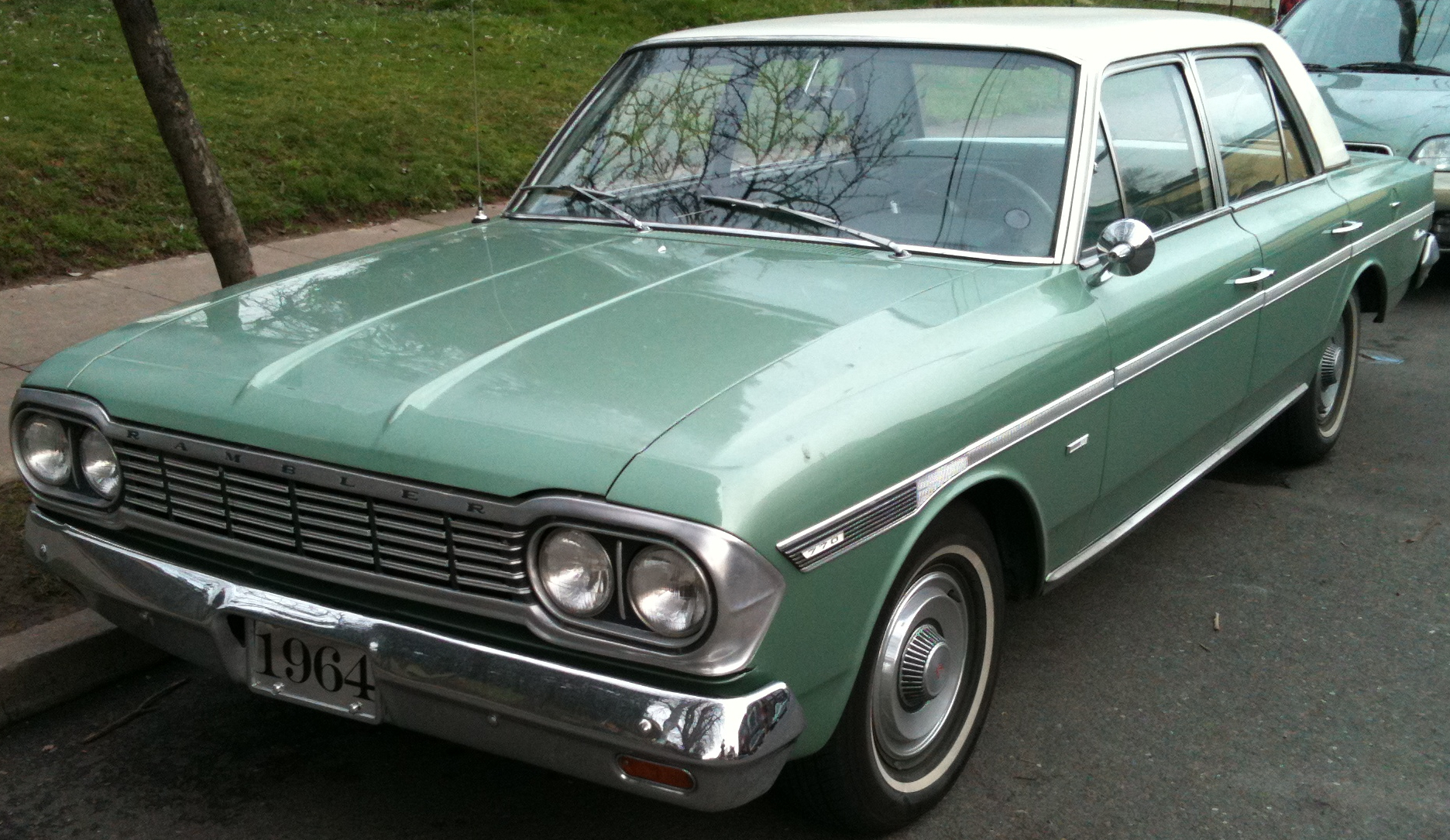 http://bridgetownblog.files.wordpress.com/2011/03/1964-amc-rambler-classic-770.jpg