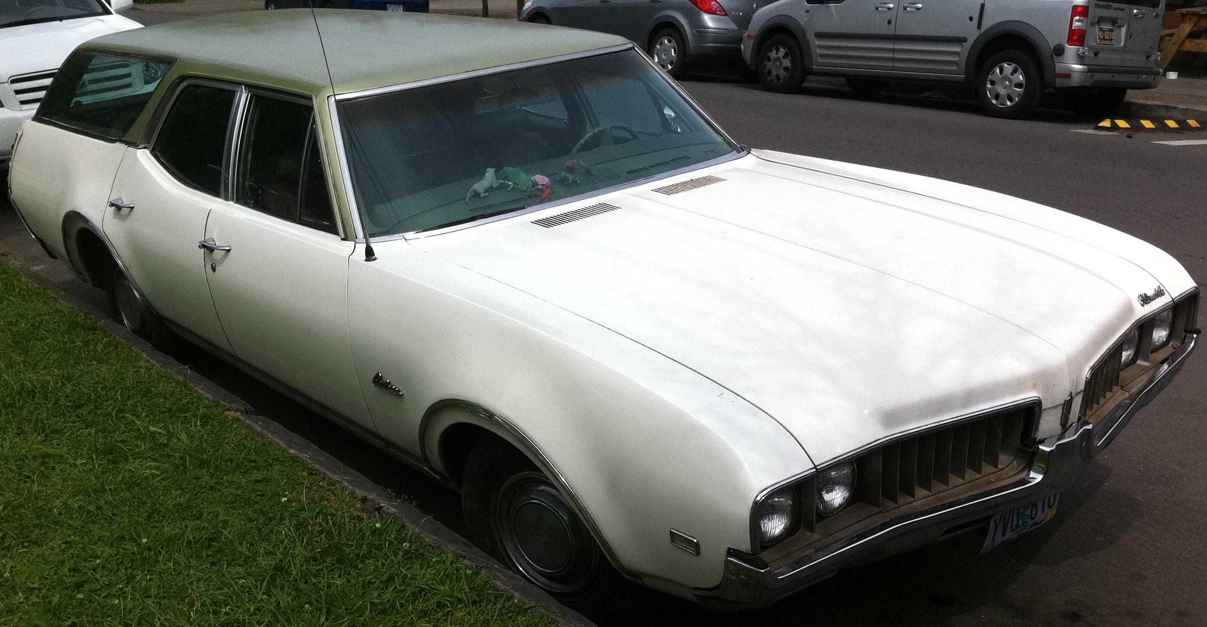 1969 Oldsmobile Cutlass Wagon