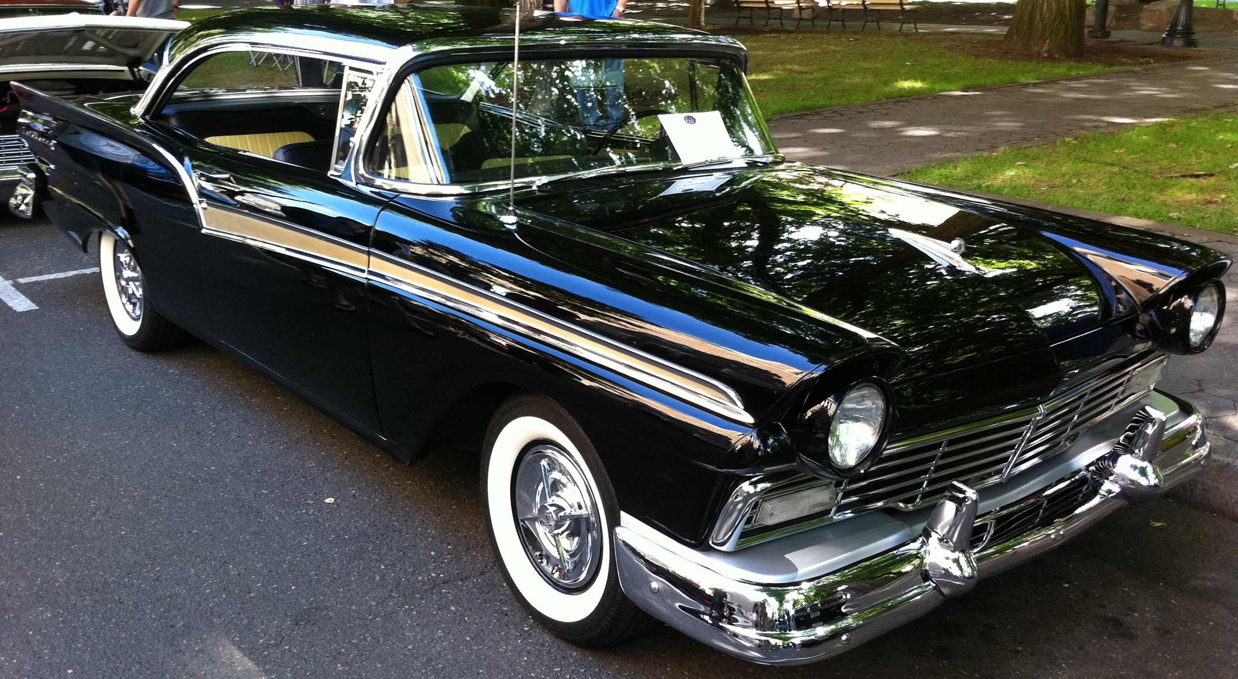1957 Ford Fairlane 500 2dr